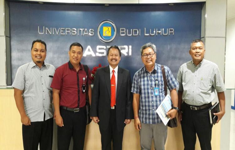Study Pengembangan Pusat Karir Universitas Warmadewa di Universitas Budi Luhur Jakarta Tahun 2017