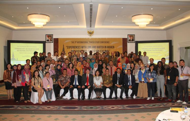 """The 3rd International Conference """"Experience with Link and Match in Higher and Vocational Education (EXLIMA)"""" Tahun 2018"""